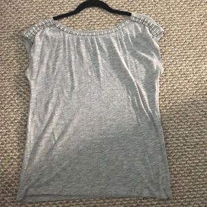✳️ 2 for $55 ✳️ Grey cap sleeve tee with beading